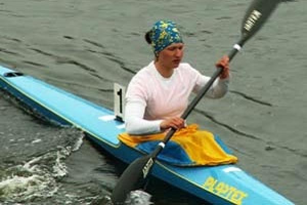 Веслувальниця з Тернополя Тетяна Єднак з чемпіонату України привезла дві золоті і срібну медалі