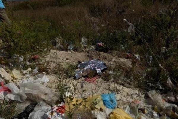 Поліція знайшла матір, яка викинула новонароджену дитину у смітник (Фото)