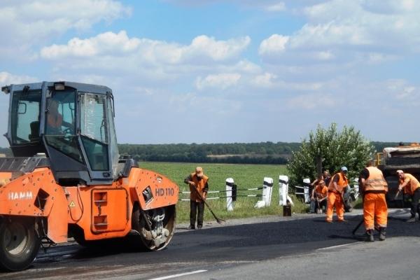 Шляховики продовжують ремонтувати дороги Тернопілля