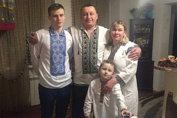 Любов Стаюра: «Володимир не міг змиритися з тим, що у час війни країна живе двома життями»