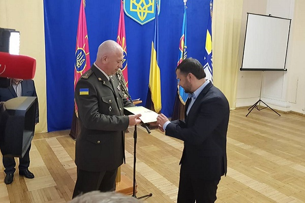 Тернопільський будівельник та меценат Ігор Гуда отримав високу нагороду за підтримку воїнам АТО