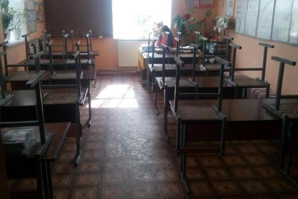 На Тернопільщині батьки не пустили дітей до школи і оголосили страйк
