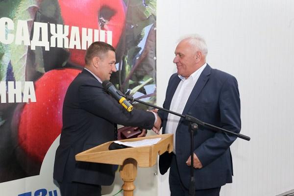 Відомий тернопільський аграрій отримав Почесну грамоту Верховної Ради