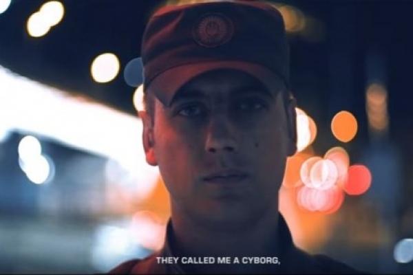 Українські кіборги написали відео-листа Apple з вимогою виправити рекламу (Відео)