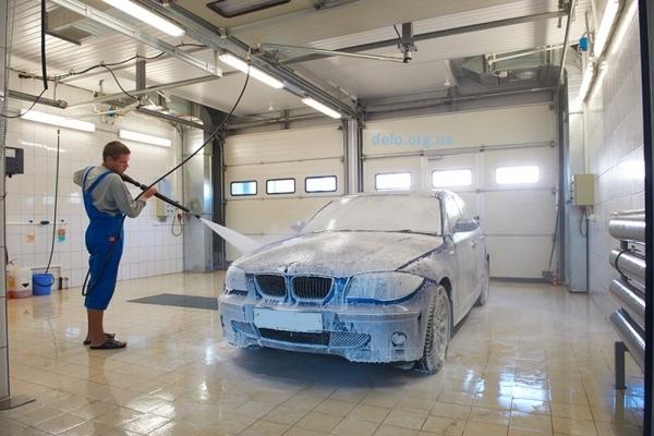 На Тернопільщині можуть помити автомобіль за 200 доларів