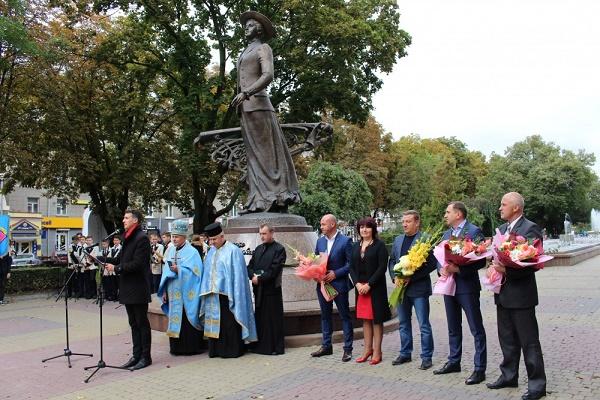 Брати приклад із оперної артистки молодих тернополян закликав Роман Заставний