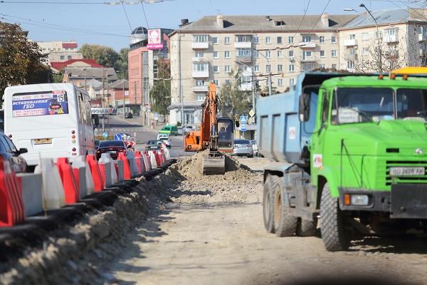 Бруківку з дамби використають для ремонтів на вулиці Брюкнера та Кульчицької
