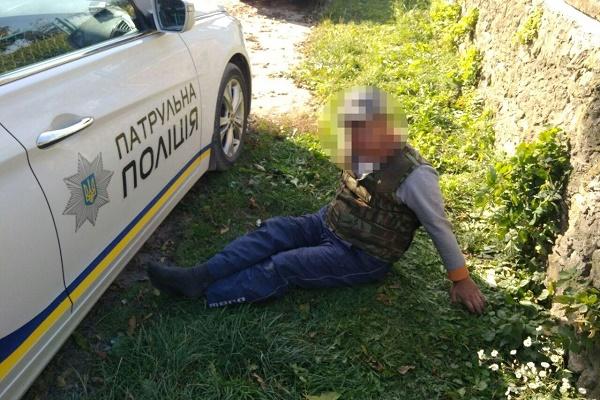 На Тернопільщині п'яний заїхав в мотоблок, втік і ліг на вулиці спати