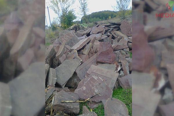 На Тернопільщині десятки єврейських надгробків викинули на смітник