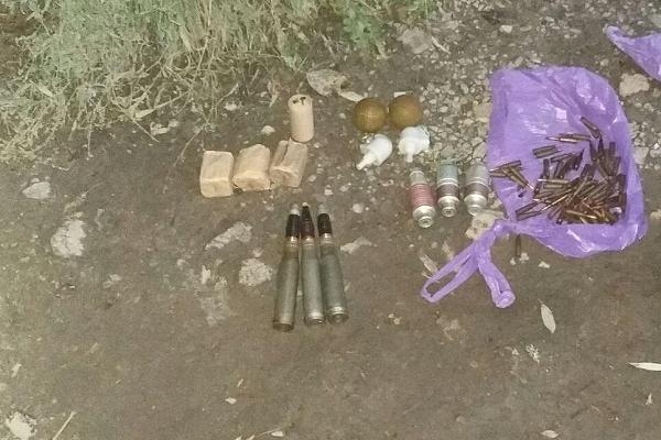 Чоловік сховав в сміття боєприпаси і подзвонив в СБУ (Фото)