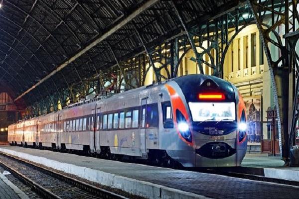 Тернопільщина: у поїзді Рахів – Київ помер пасажир
