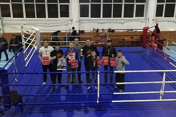 Тернопільські тайські боксери завоювали «золото» у Івано-Франківську