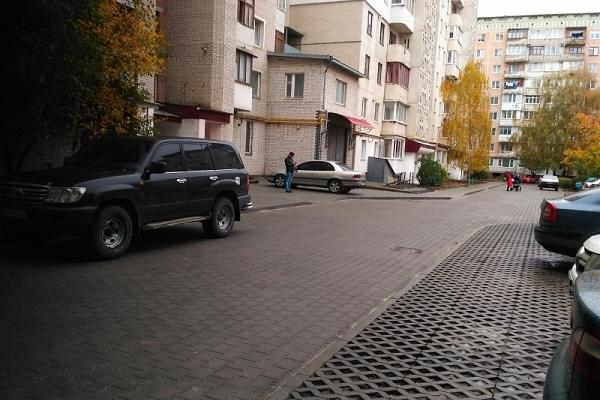 У Тернополі відремонтували двір на вулиці Київській