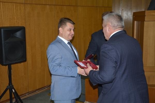 7 сесія Тернопільської обласної ради розпочалась з вручення державних нагород