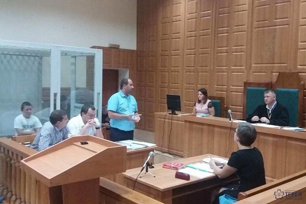Василю Гнатюку, якого підозрюють у вбивстві випускниці з Тернопільщини, позапланово призначили судове засідання