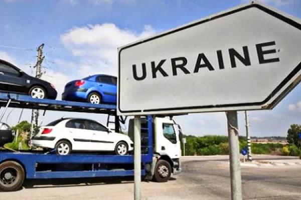На Тернопільщині шаленими темпами збільшується кількість автівок на «євробляхах»