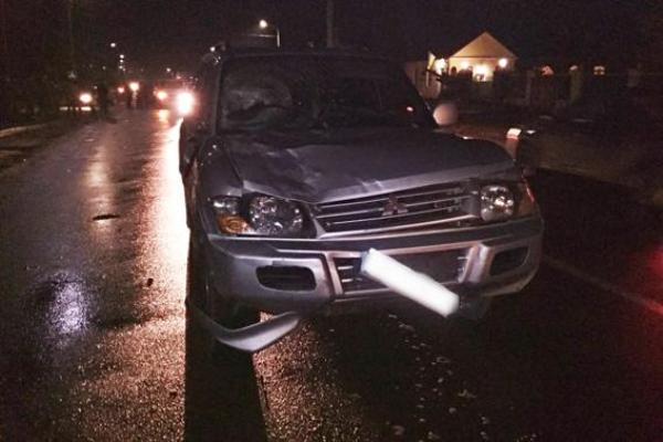 На Рівненщині мажор на дорогому авто скоїв смертельну ДТП