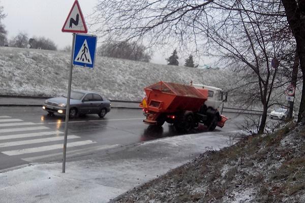На дорогах ожеледиця: поради патрульної поліції Тернополя