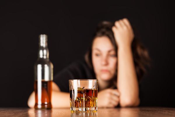 У Чернівцях в п'яного подружжя відібрали дітей