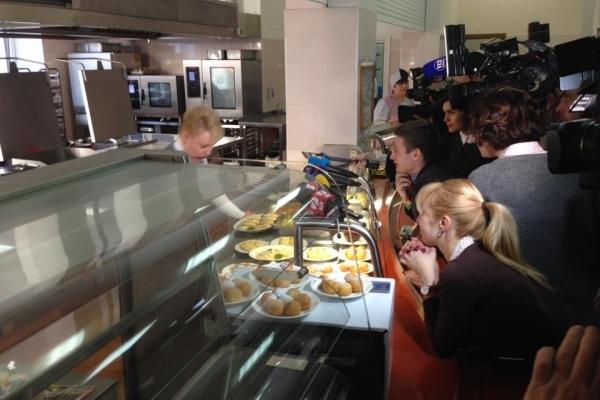 Ціни в їдальні Верховної Ради шокували журналістів (Фото)