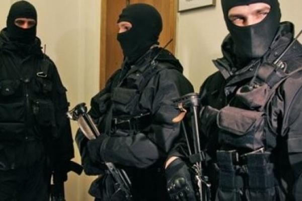 Через обшуки податківців на Кременецькому молокозаводі на 2 дні призупинилася робота
