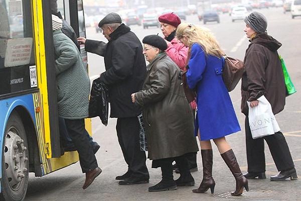 На Тернопільщині відновлює роботу міський та міжміський транспорт у більшості районів