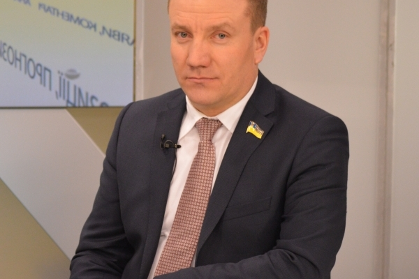 Освітні заклади і дорогу на Тернопільщині оновлять після клопотання народного депутата