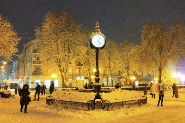 У Тернопіль прийшла справжня зима (Фото)