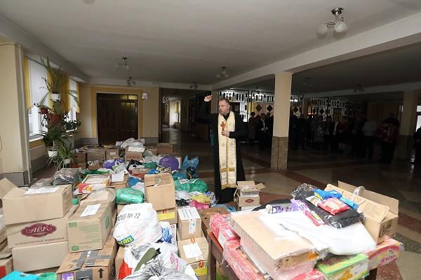 У Тернополі зібрали подарунки для бійців АТО на Миколая