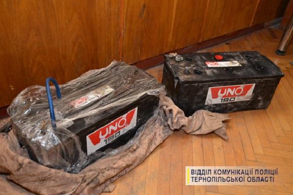 В Тернополі на гарячому затримали крадія акумуляторів
