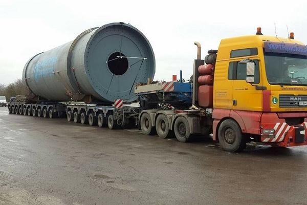 На Тернопільщині затримали водія з гігантським вантажем