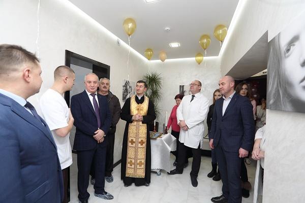 Сучасний медцентр із новітнім обладнанням відкрили в Тернополі (Фото)