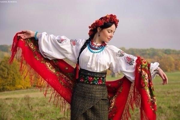 Як одягали красуні на Тернопільщині в давнину (Відео)