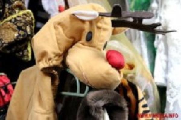 У прокатах костюмів ажіотаж – тернополяни готують дітей до новорічних вогників (Відео)