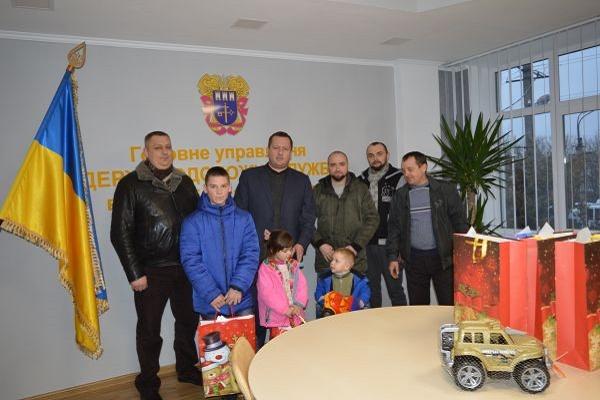 Напередодні свята Миколая представники ГУ Держпродспоживслужби в Тернопільській області долучилися до добрих справ
