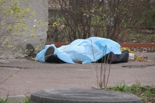У Тернополі виявили на смітнику труп молодого чоловіка