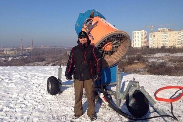 В Тернополі запустили потужну снігову гармату (Відео)