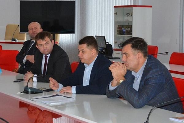 Віктор Овчарук: «Першочерговим обов'язком органів місцевого самоврядування є захист інтересів громади»