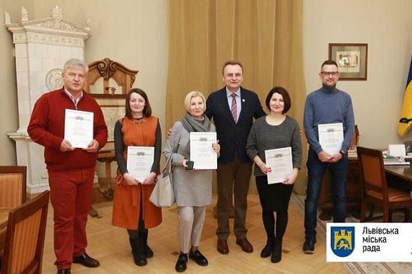 Тернопільська етно-майстерня найкраще створює новорічний настрій у Львові