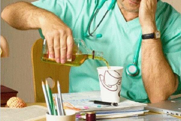 На «швидкій» в Борщеві пацієнтів приймають п'яні лікарі