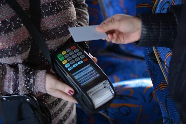 У міській раді пояснили, в чому різниця між «Карткою тернополянина» та електронним проїзним квитком