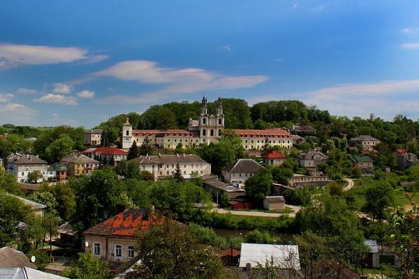 Два міста на Тернопільщині увійшли у п'ятірку найкрасивіших в Україні