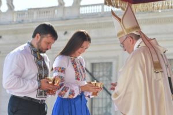 Ікона, яку коронували у Ватикані за підтримки Ігоря Гуди, повертається на Тернопільщину
