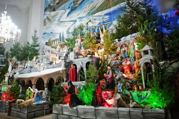 Найбільша в Україні різдвяна шопка - у Тернополі (Відео)