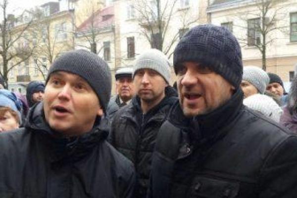 Знайшли підозрюваних у справі екс-депутата Ігоря Турського, якого у лютому підрізали у центрі Тернополя (Відео)
