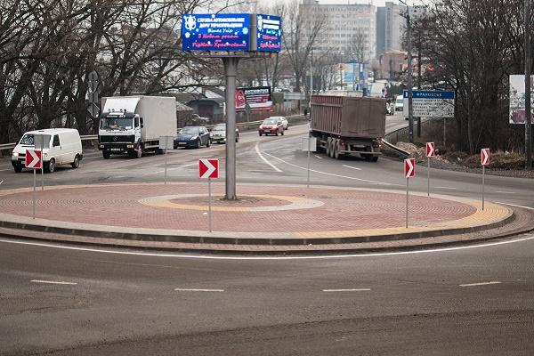 Нові розв'язки – для безпечного руху транспорту (Фото)