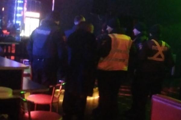 В Тернополі вночі стріляли біля караоке-клубу
