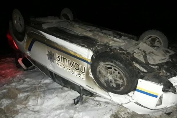 Патрульні прокоментували ДПТ зі службовим автомобілем під Тернополем