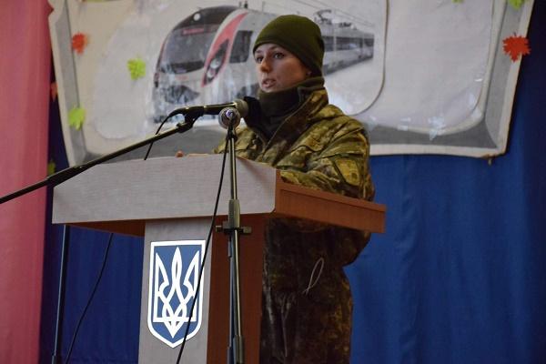 Тернопільські військові розповіли студентам на Донеччині, за що воюють