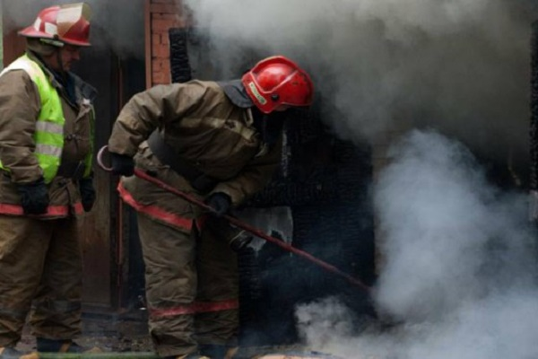 На Тернопільщині горіла господарська будівля